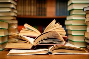 Books HD by Abhi Sharma (Flickr).