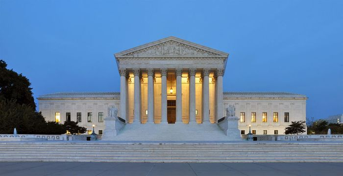 1024px-Panorama_of_United_States_Supreme_Court_Building_at_Dusk.jpg